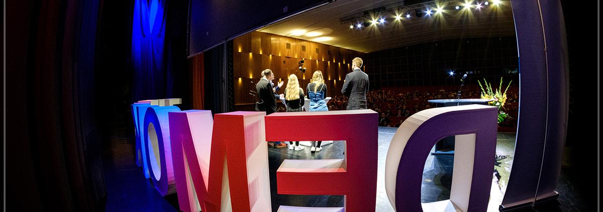 Die Preisträger der diesjährigen Auszeichnung auf der Bühne